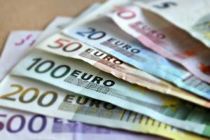 Kuidas võtta laenu sularahas?